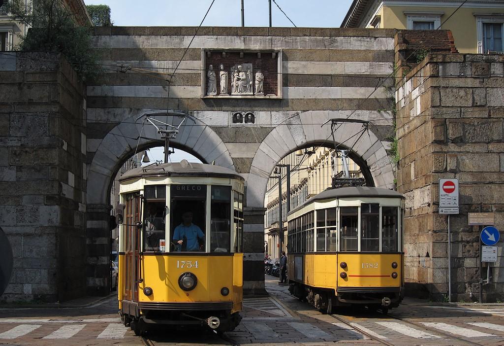 Milano_tram_piazza_Cavour